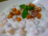 Studena jogurtova polevka s cizrnou recept