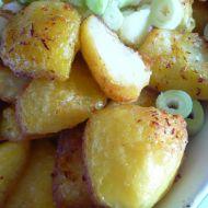 Křupavé šafránové brambory recept