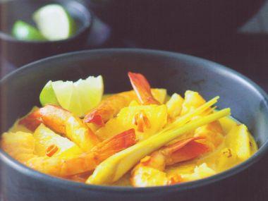 Ostré karí s ananasem a krevetami