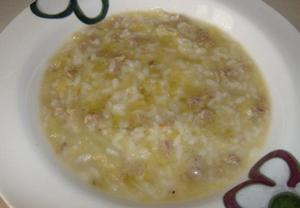Kapustová polévka s masem a rýží