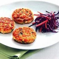 Pikantní rybí karbanátky se zelným salátem recept