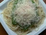 Špagety s rukolovým pestem recept