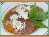 Lahodné hovězí plátky (ve vývaru, se zeleninou a křenem) recept ...