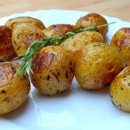 Pečené nové brambory s bylinkami recept