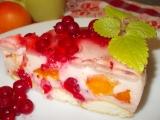 Smetanovo-tvarohový dort s rybízem a meruňkami recept ...
