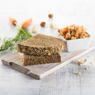 Z jádra dobrý alpský chléb se zimním salátem recept