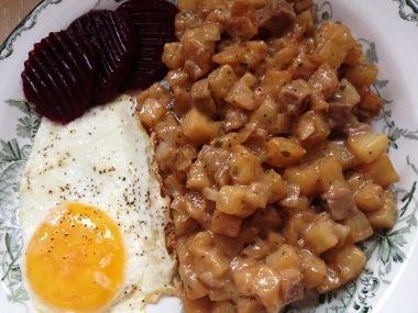 Pyttipanna (jídlo ze zbytků)  Masová varianta