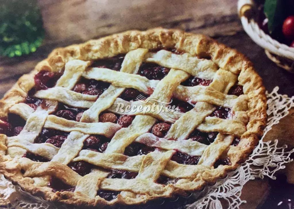 Mřížkový koláč s višněmi recept  slavnostní pokrmy