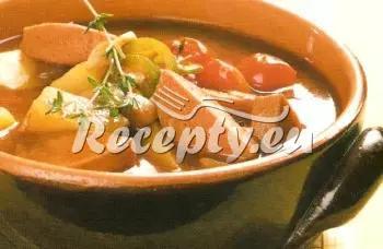 Fazolový guláš s uzeným masem recept  uzené maso
