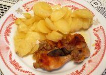 Kuřecí kapsa na bramborách a cuketě recept