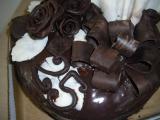 Dort zdobený čokoládou recept