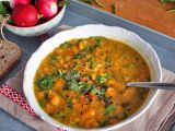 Polévka ze žlutého hrášku s kari, batáty a mrkví recept  TopRecepty ...