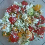 Šopský salát s pečenou paprikou recept
