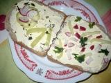 Sýrová pomazánka s křenem recept
