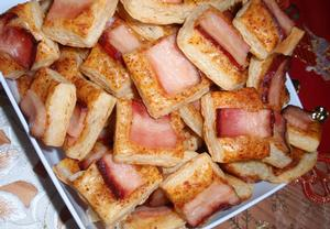 Chuťovky (jednohubky) z listového těsta
