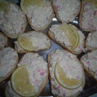 Chlebíčky s falešným humrem recept