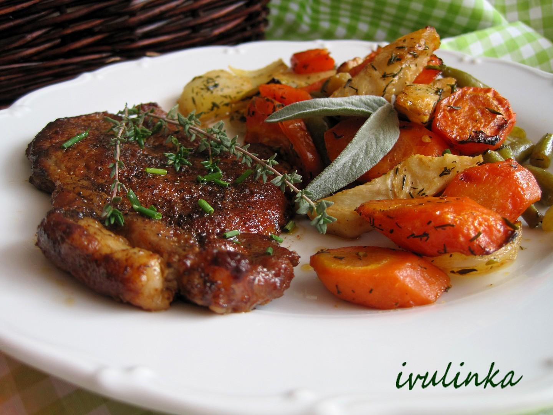 Pečená zelenina s plátkem krkovičky recept