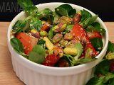 Jemný salát s ovocem a pistáciemi recept