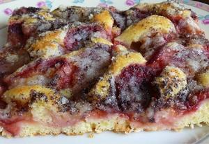 Jogurtový švestkový koláč