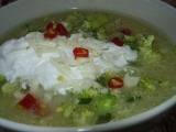 Brokolicová polévka s bramborami a sýrem recept