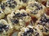 Roládový zákusek a karamelovým krémem recept