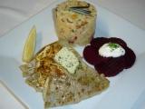 Candát na másle s bramborovým salátem a červenou řepou recept ...