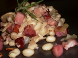 Hořčicové fazole s uzeným a vůní rozmarýnu recept