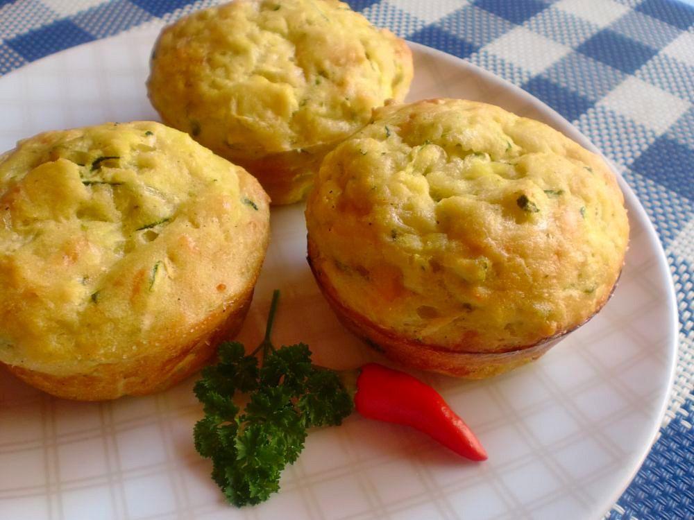 Cuketové muffiny plněné mozzarellou recept