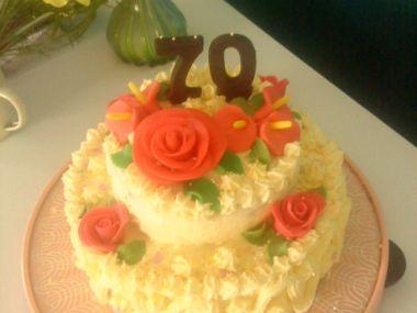 Piškotový dort s vanilkovým krémem
