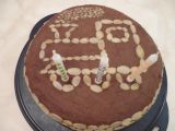 Narozeninový dort bez lepku a mléka s krémem z cizrnové nutelly ...