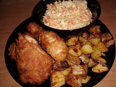 Jižanské kuře a salát coleslaw