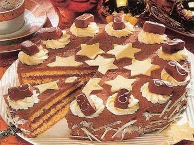 Vánoční vanilkový dort, zdobený bonbony