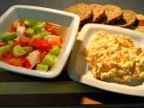 Mrkvová pomazánka s křenem a zeleninový salát s krabem recept ...