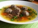 Hovězí polévka z játrovými knedlíčky recept