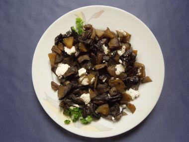 Zapečené houby s cuketou a česnekem