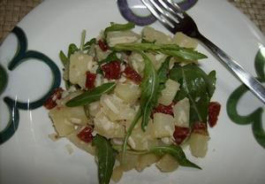 Brambory s parmezánem a sušenými rajčaty