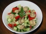 Okurkový salát s houbami recept