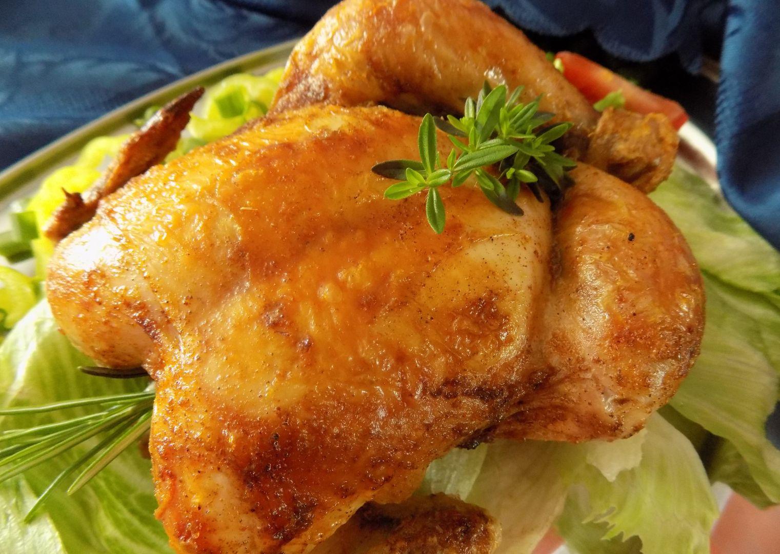 Šťavnaté bylinkové kuře pečené na hrubé soli recept
