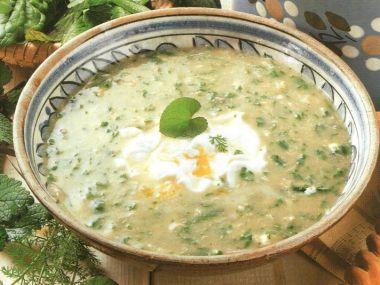Staročeská polévka z jarních bylinek