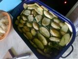 Gratinované brambory se špenátem a mletým masem, domácí ...
