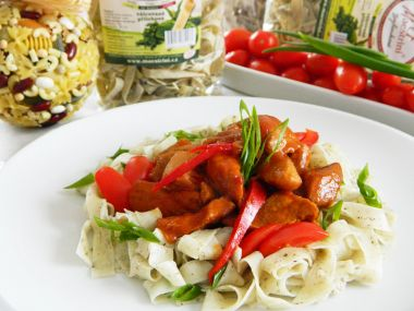 Špagety s masem a rajčaty
