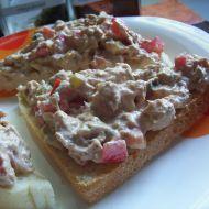 Tuňáková pomazánka na červeno recept