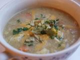 Polévka z pečeného květáku s kuřecím masem a cheddarem recept ...