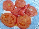 Grilovaná rajčata s kapiemi recept