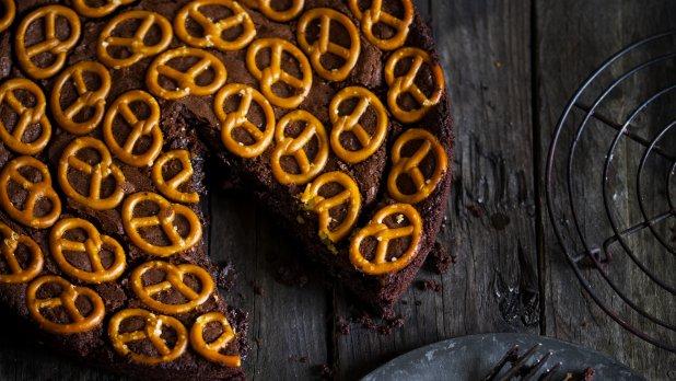 Čokoládový koláč s preclíčky