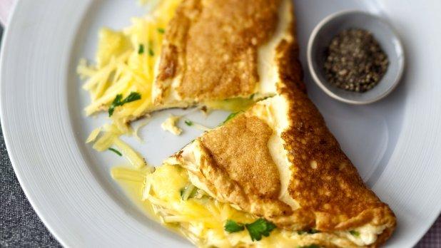Nadýchaná omeleta s uzeným sýrem