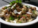 Jemná houbová omáčka s vinnou klobáskou k těstovinám recept ...