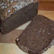 Slunečnicový chléb tmavý pro domácí pekárnu recept
