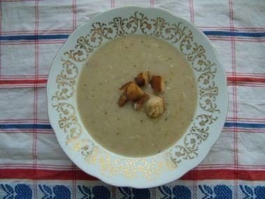 Recept Chlebová polévka se špekáčky