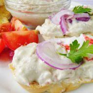 Krabí salát s avokádem recept